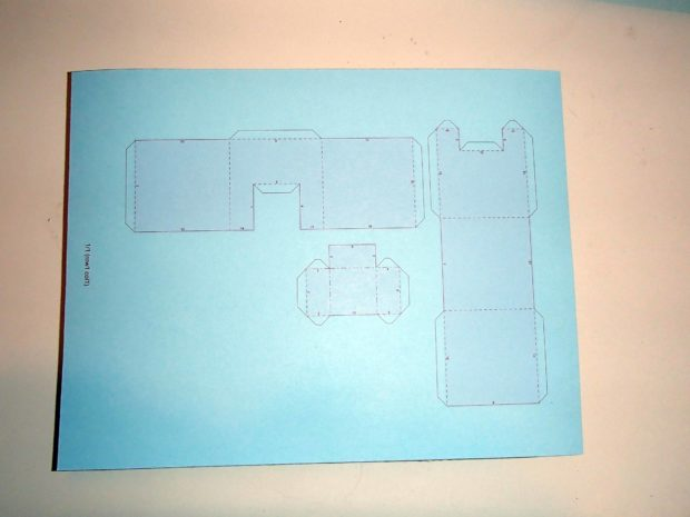 FIGURE 2-7: A simple Pepakura model printed on cardstock