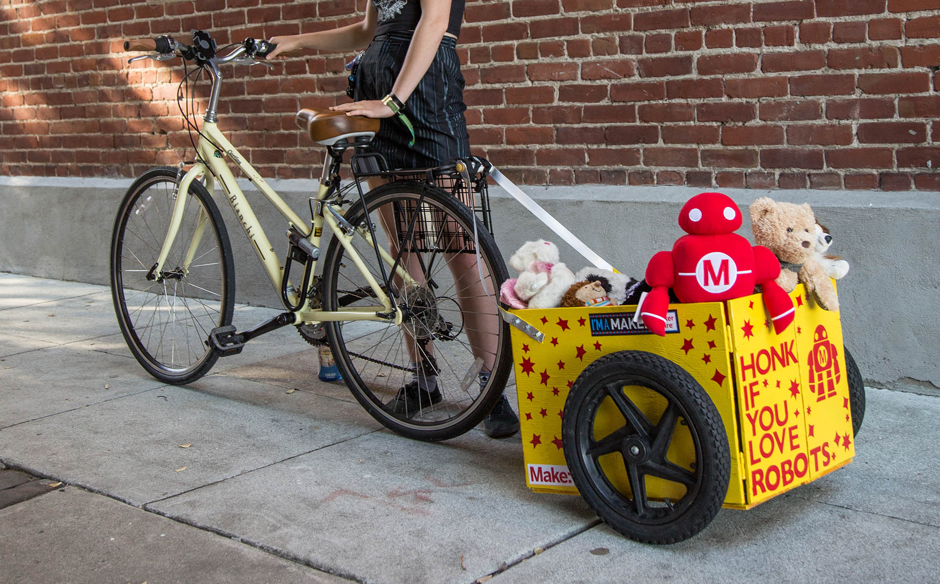 Save Space with a Collapsible Bike Trailer | Make: