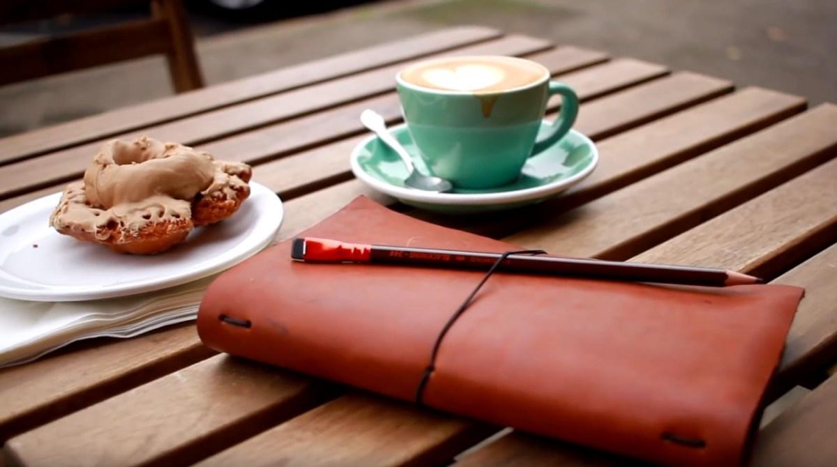 How to Make Beautiful Midori-Style Traveler's Notebooks