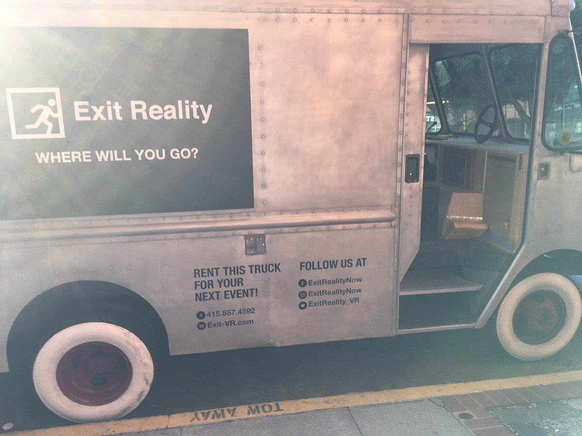 This Week in Making: Mobile VR Vans and the Best Halloween Costumes