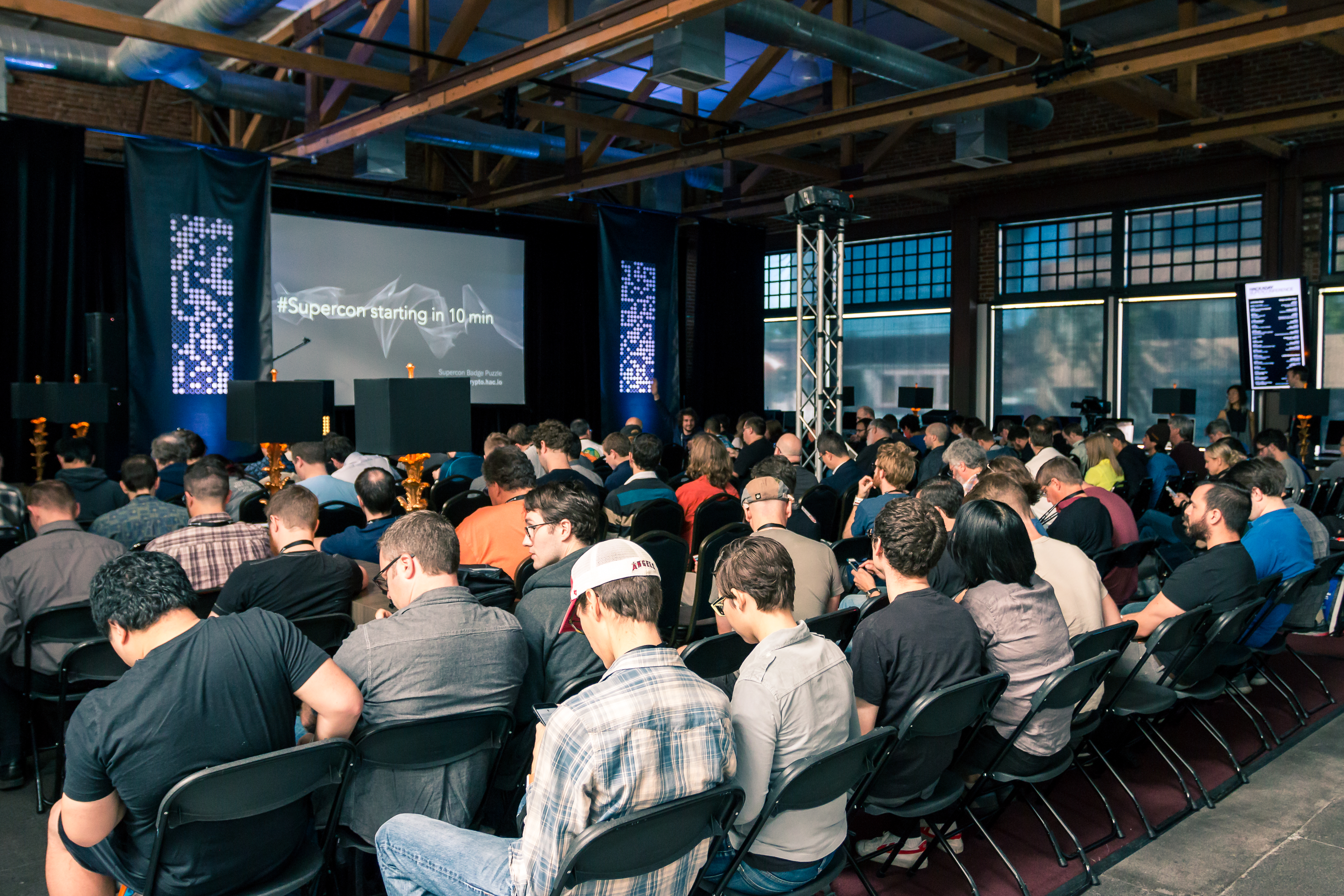 Playing with Hardware and Announcing Prize Winners at the Hackaday Superconference