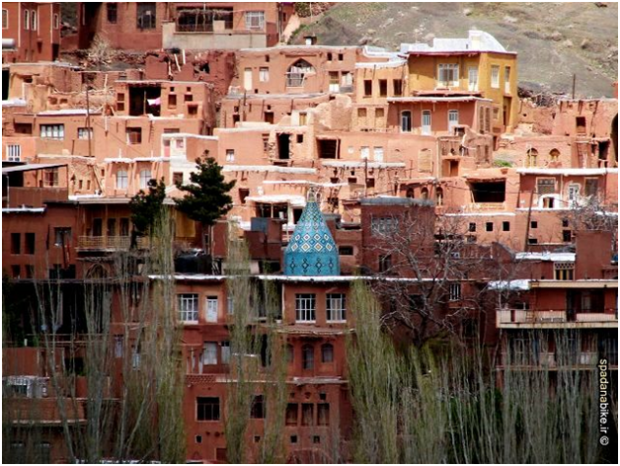 jameh-mosque-of-abyaneh-hillside