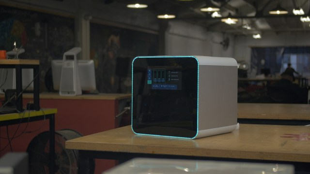 NexD1 Printer Brings Polyjet-Style 3D Printing to Consumers, Adds Conductive Resins
