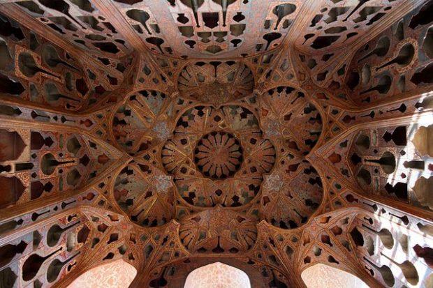ali-qapu-ceiling