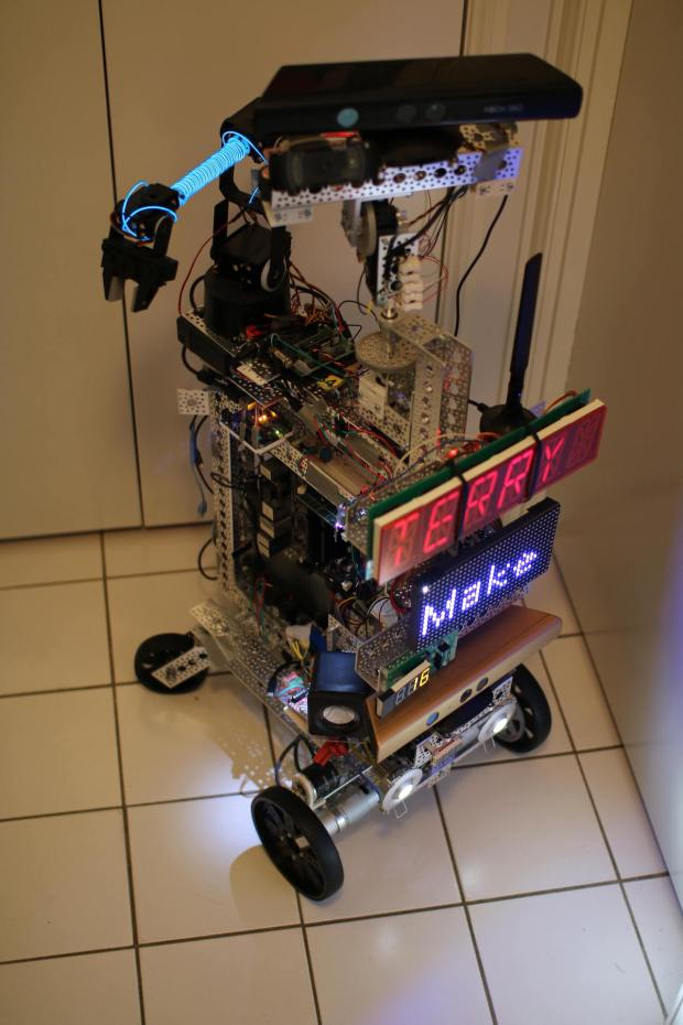 Program with Robot Operating System for Smooth Servo
