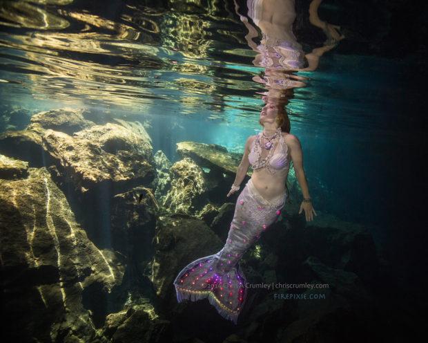 cenotes-glimmer-surface-peek