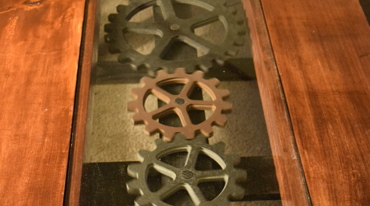 The Moving Gear Inlay in This Coffee Table Is Mesmerizing