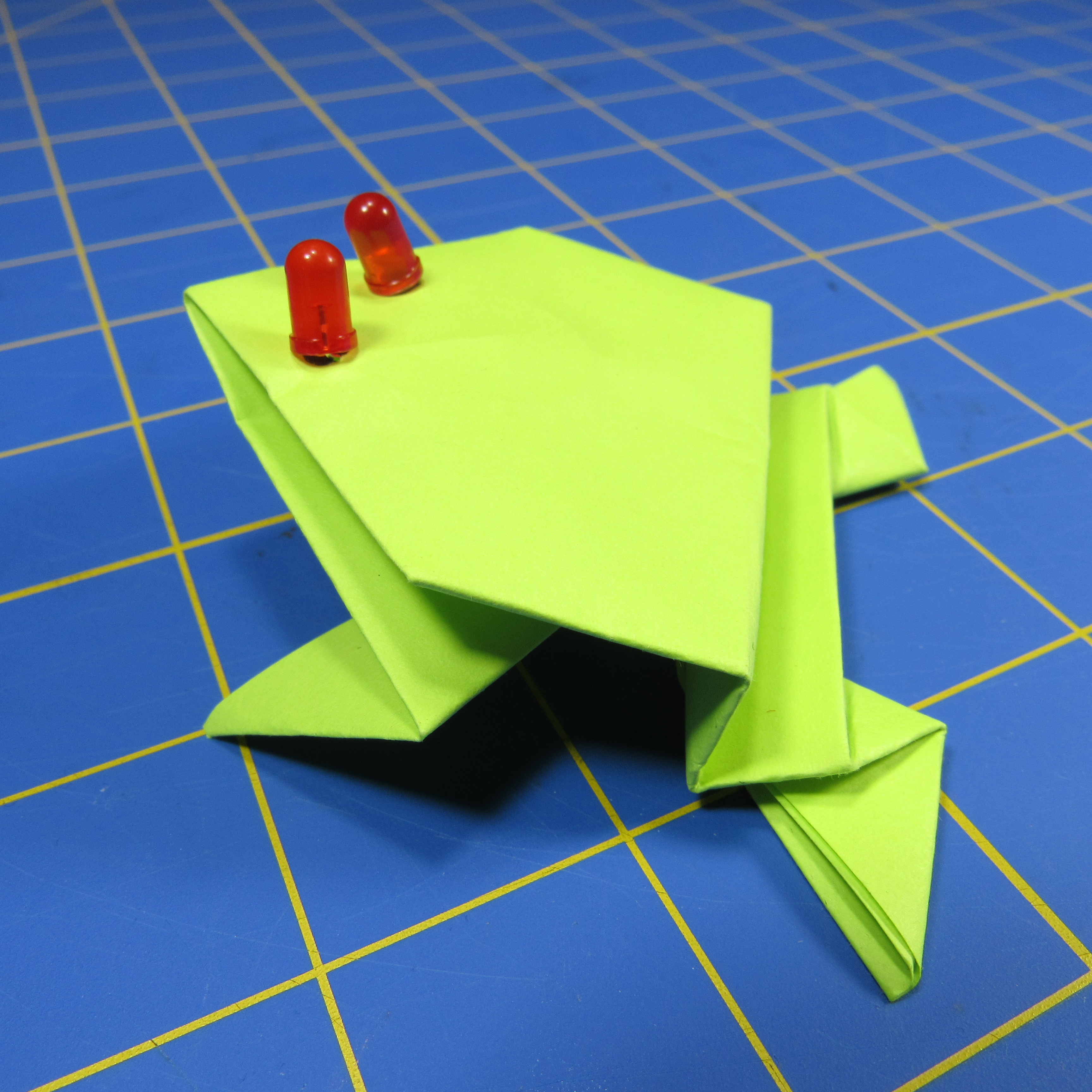 Origami Jumping Frog Instructions: www.Origami-Fun.com - YouTube | 3456x3456