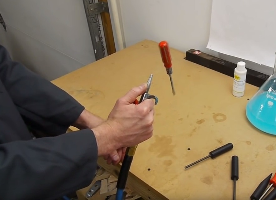 The Fascinating Physics of a Floating Screwdriver