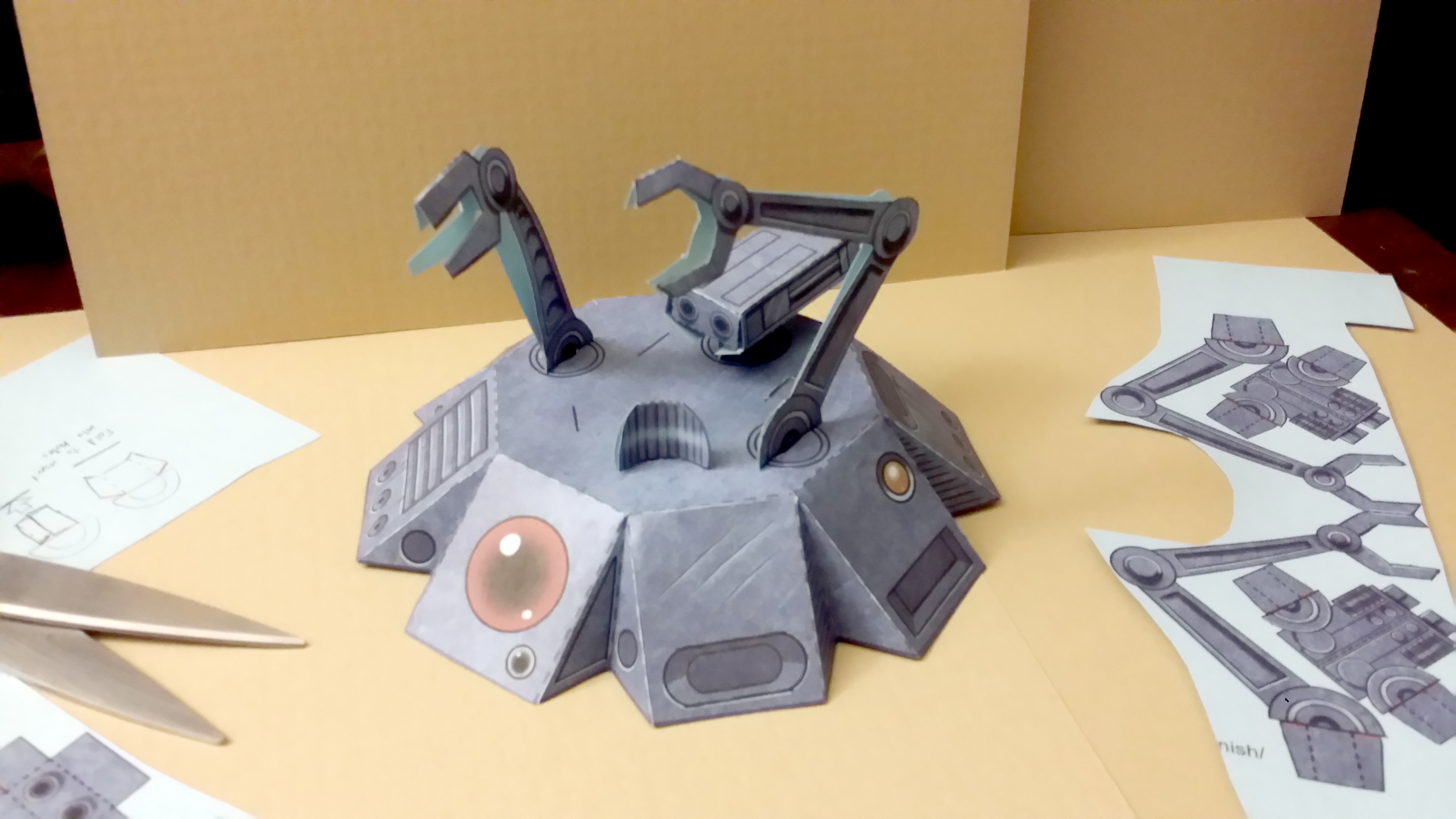 Print and Fold This Posable Papercraft Star Wars Droid