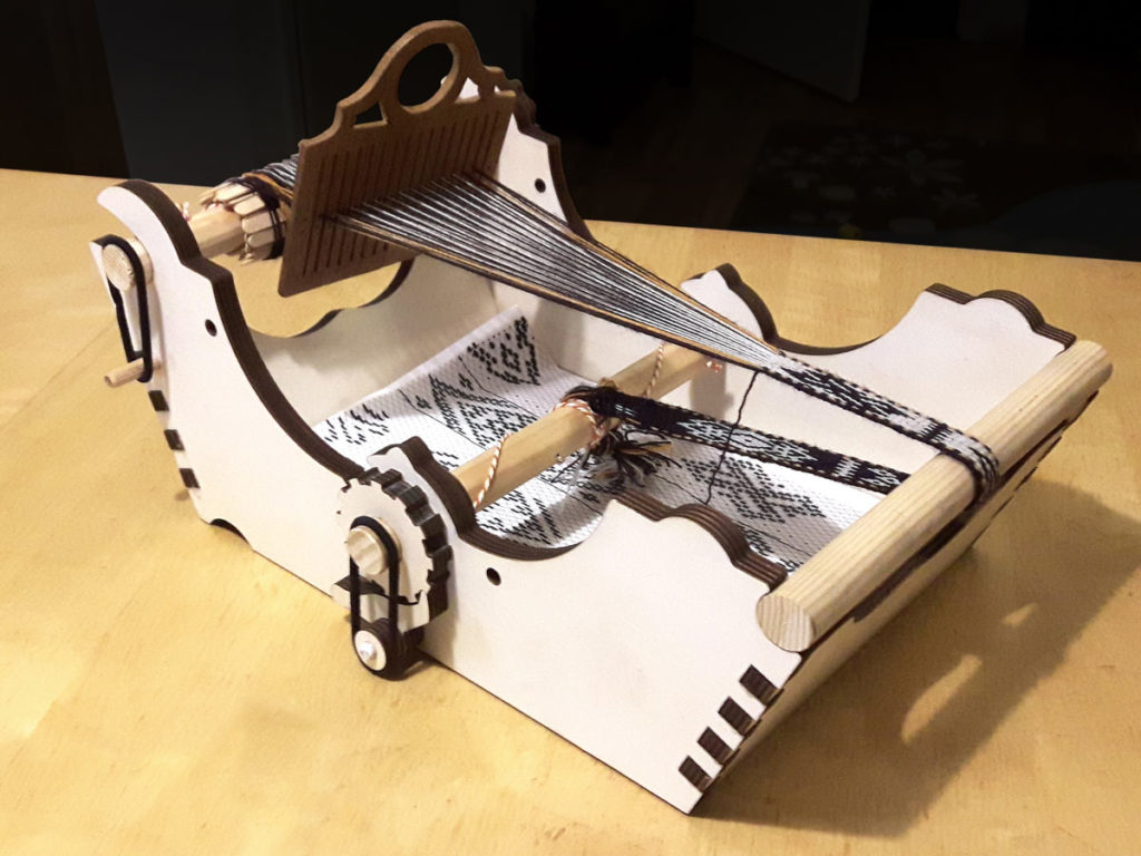 Laser-Cut Box Loom