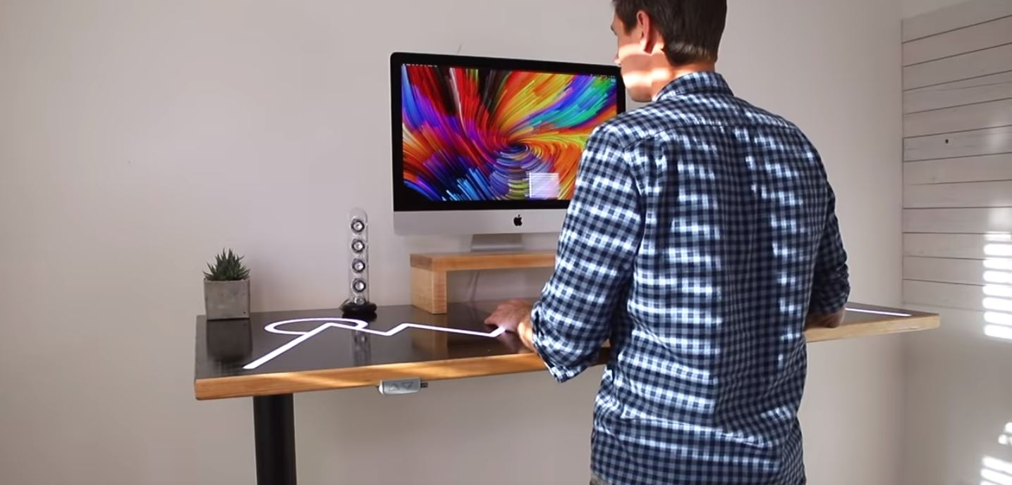 Johnny's Ultimate Desk Is Both Minimal and Feature Packed