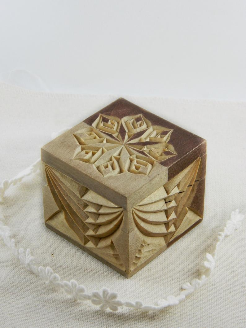Check Out These Fascinating Videos Of Hand Carving Wood