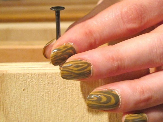 Wood Nails – A Faux Bois Manicure
