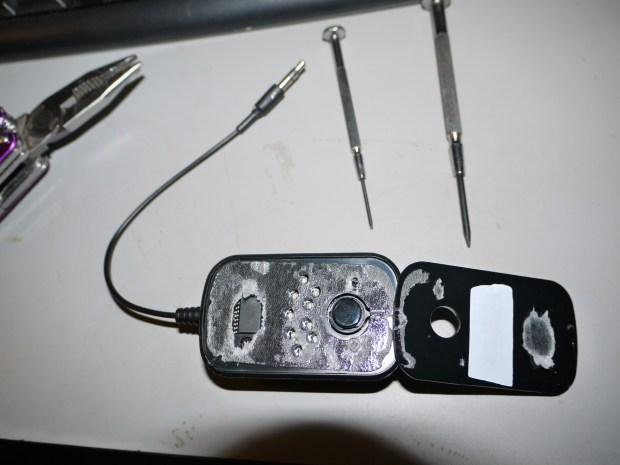 Hack the Scosche FMT4 FM transmitter! V2.0