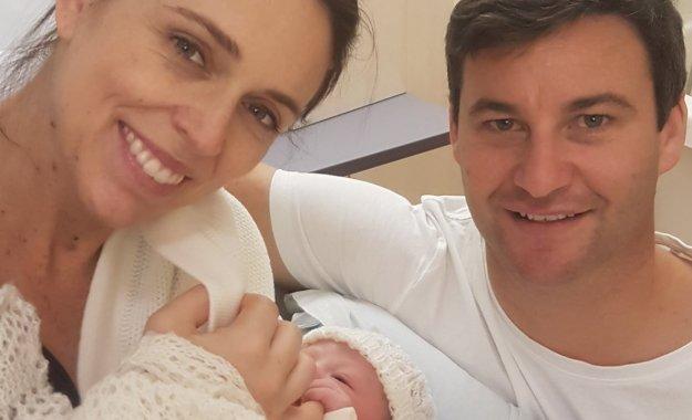 アーダーン首相出産