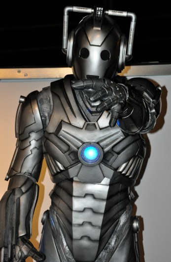 cyberman reaching_edited