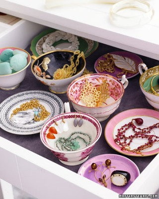 brilliant organizing tip {25+ Brilliant Ideas and Timesavers That Will Rock Your World}