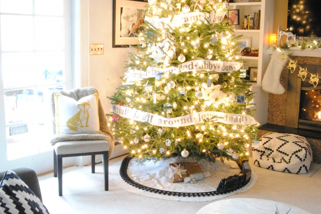 A Christmas Home Tour Overflowing With Easy And Beautiful Ideas For Holiday Decorations Love These