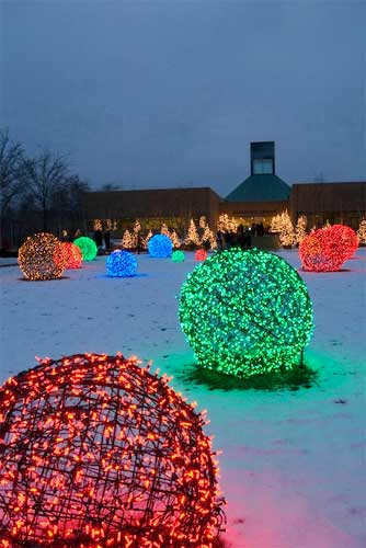 Outdoor Christmas Light Spheres