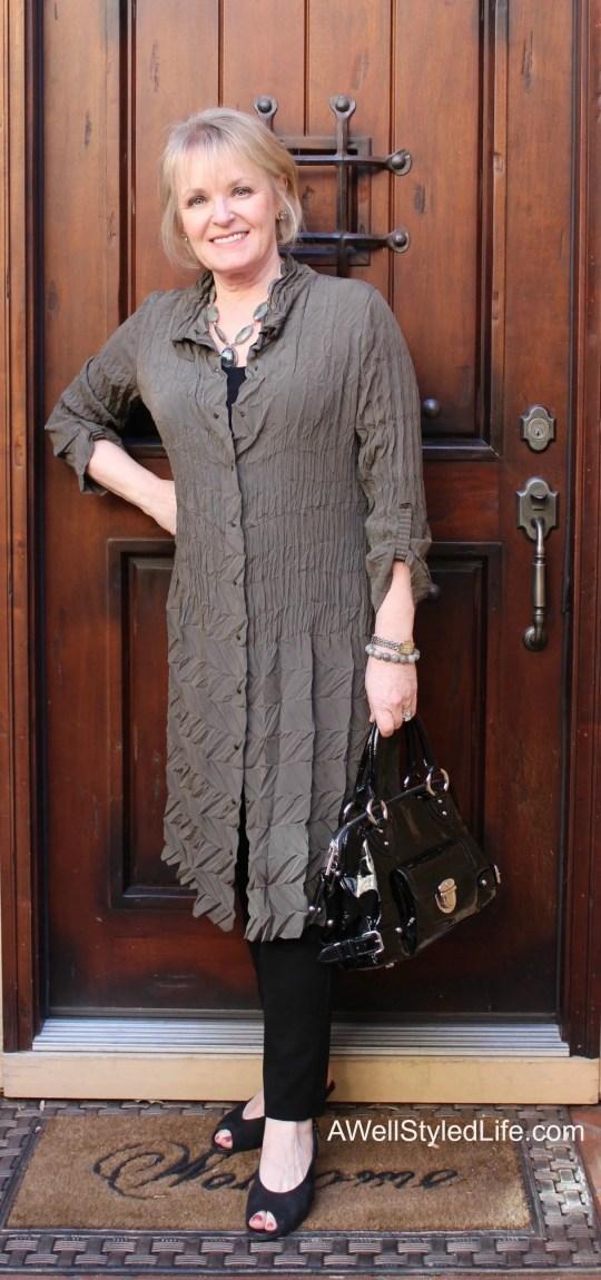 Jennifer-in-textured-dress