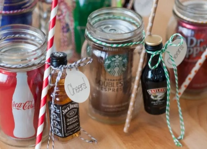 Do you find yourself having a hard time coming up with gifts for the person who has everything? Check out these fabulous ideas for under $5.