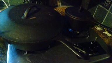 small-saucepot-and-large-skillet-with-basting-lid