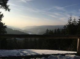 """Blick vom """"Eleonorenblick"""" auf dem """"Hühnerkopf"""" auf Riefensbeek & winterlichen Sösestausee"""