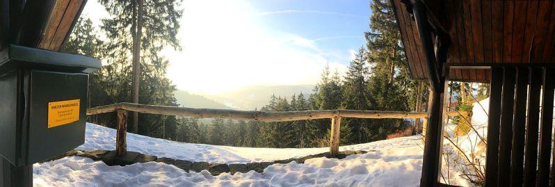 """Die Stempelstelle """"Eleonorenblick"""", Nr. 147 der Harzer Wandernadel. Eine hübsche Schutzhütte mit toller Aussicht!"""