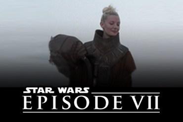 2oTOGeb - Sir Roger Moore Reveals Tidbit about his STAR WARS: EPISODE VII Set Visit!