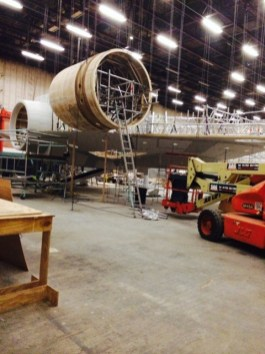 millennium falcon star wars spoiler sneak peek behind the scenes photos 0116 480w