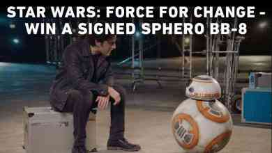 """Photo of Oscar Isaac and BB-8 introduce this week's """"Force For Change""""!"""