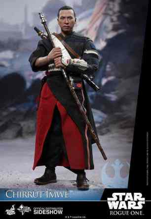 star-wars-rogue-one-chirrut-imwe-sixth-scale-hot-toys-902913-04