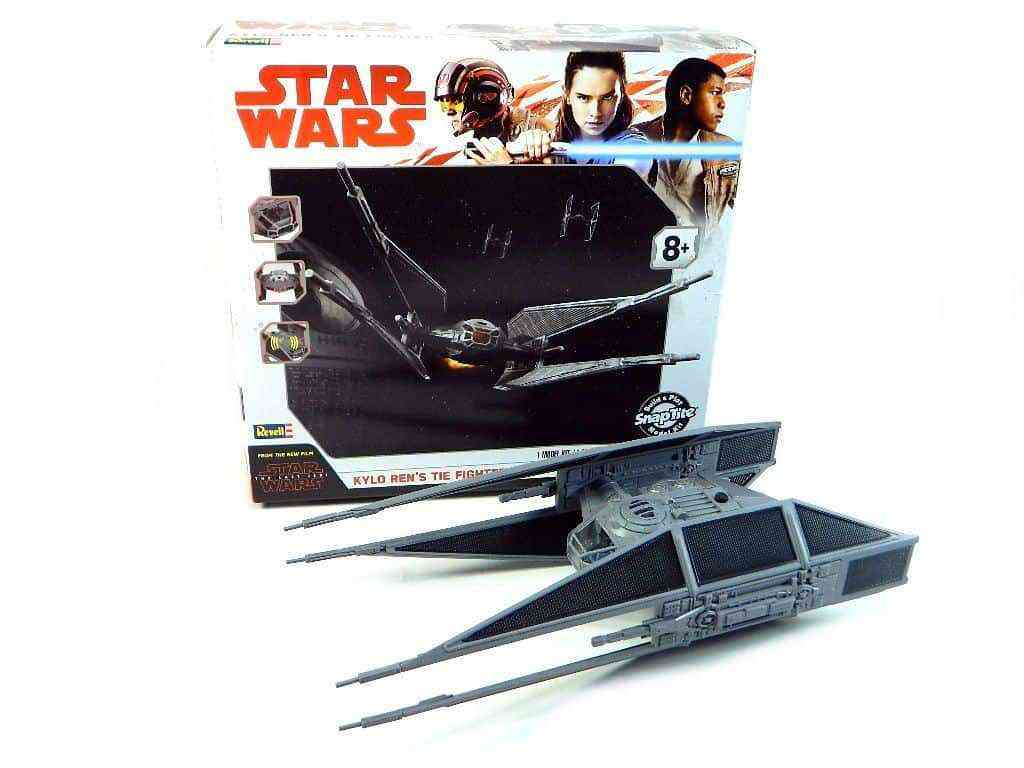TIE SILENCER - Star Wars: The Last Jedi's TIE Silencer model has a Death Star on the box art and bedding!