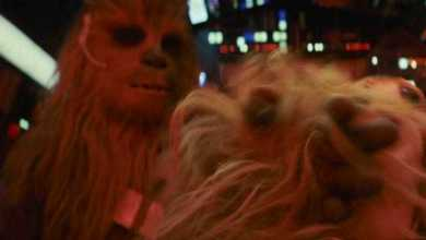 Photo of Chewbacca hits a Porg in latest Star Wars: The Last Jedi TV spot