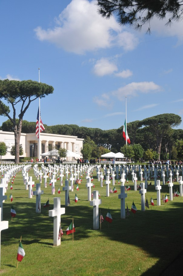 Sicily-Rome Amereican Cemetery photo courtesy of of http://www.abmc.gov