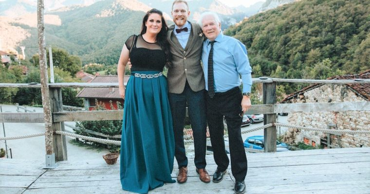 DIY Empire Waist Maxi Skirt Sewing Pattern – What I Wore to My Bros Wedding!