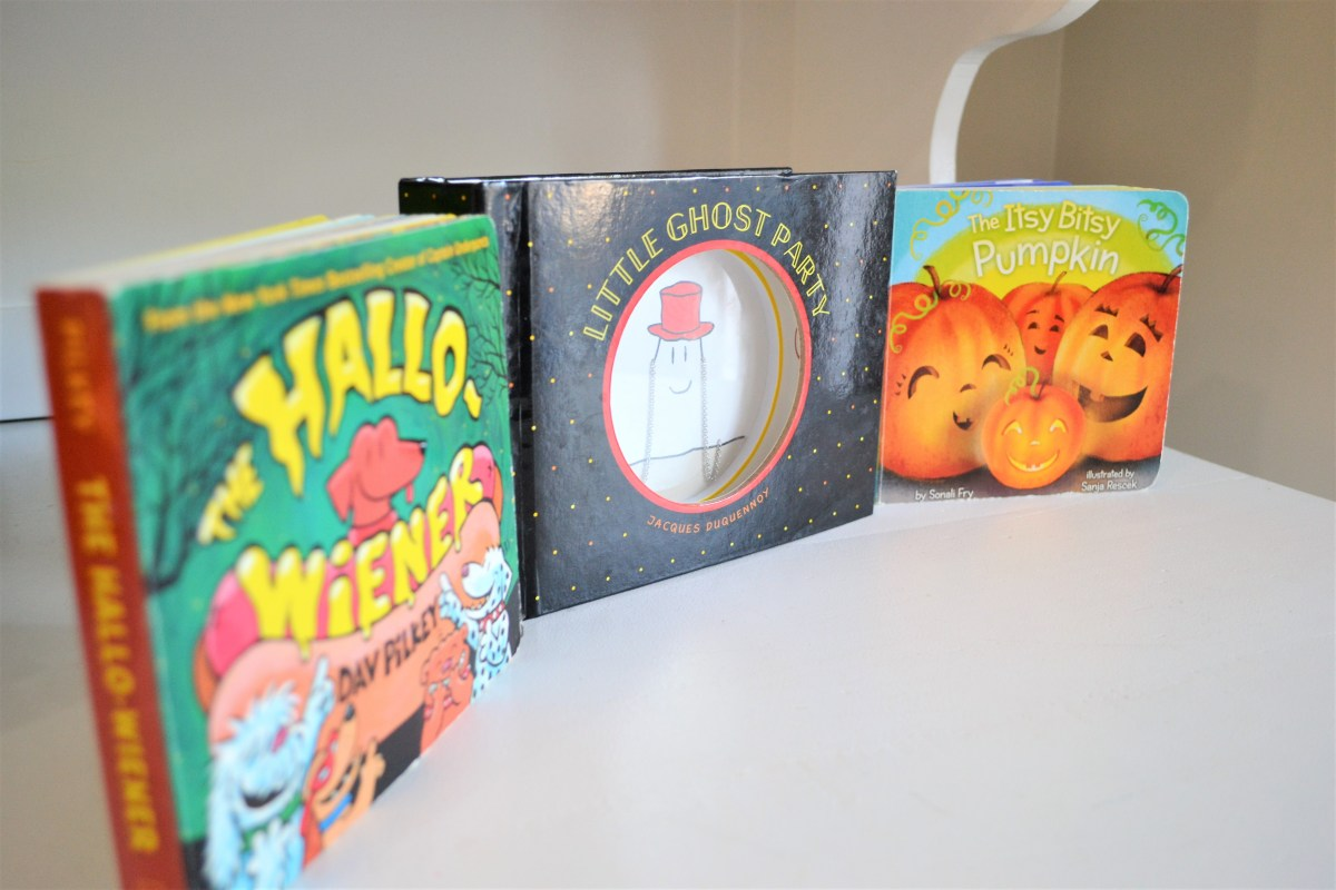 Halloween Traditions with the Kiddos - Halloween books