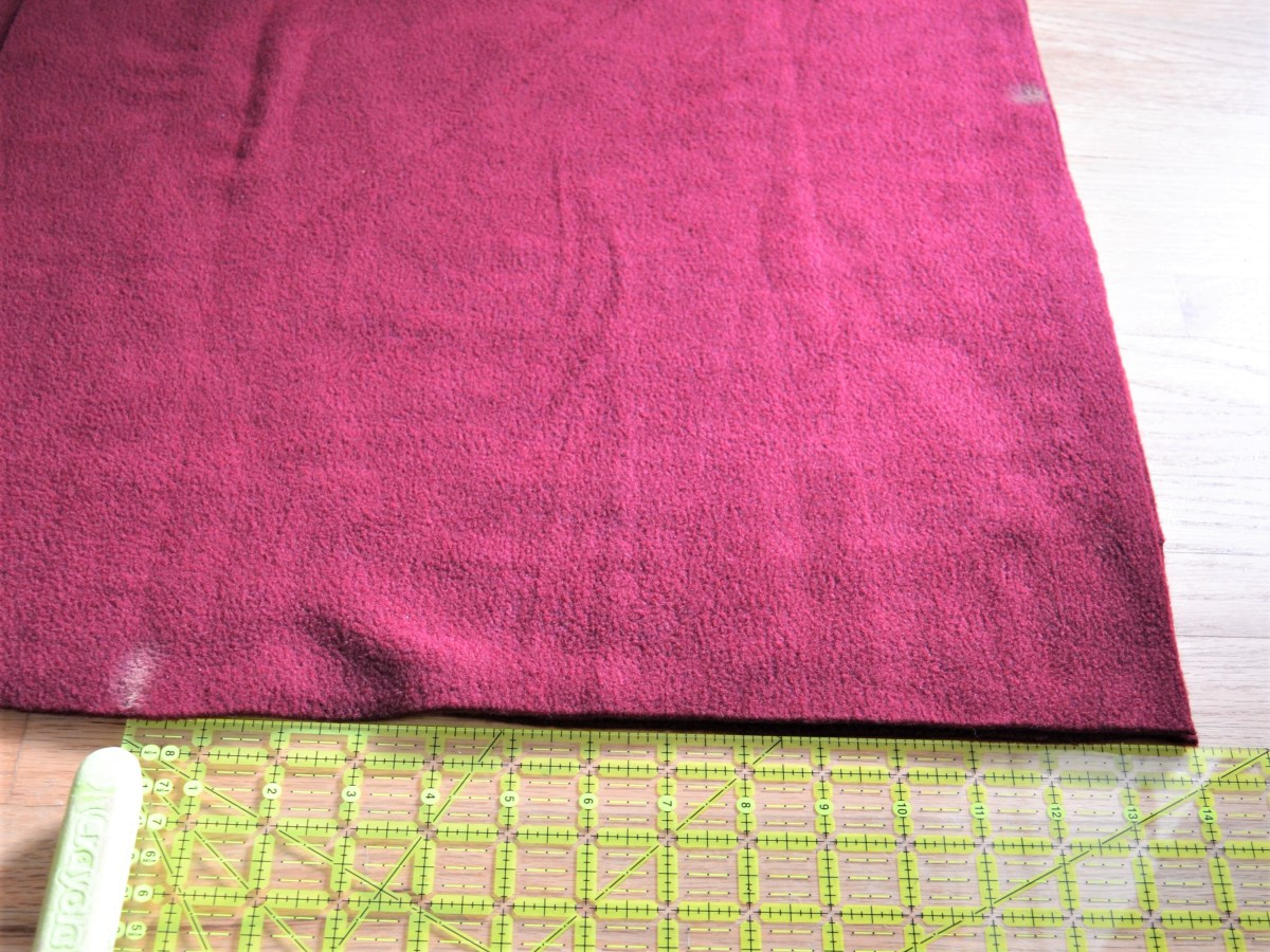 How to Make a Reversible Hooded Baby Blanket - measure the hood