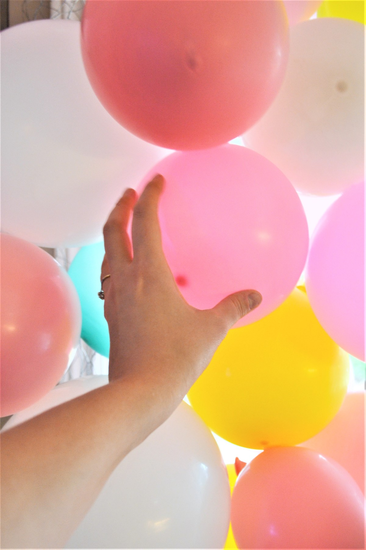 Balloon Arch Tutorial! - fill holes with extra balloons