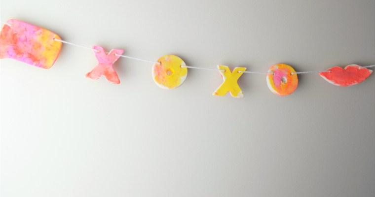 Valentine Decorations: DIY Cookie Cutter Clay Valentines Garland – Tutorial!