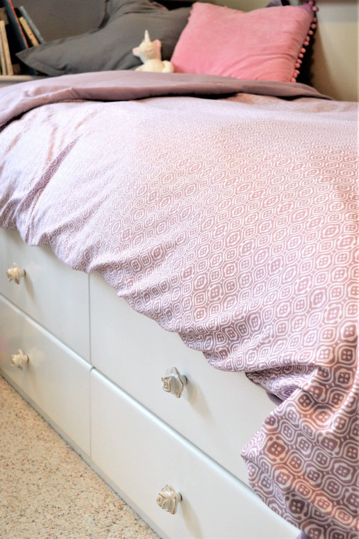 DIY Duvet Cover from Flat Sheets