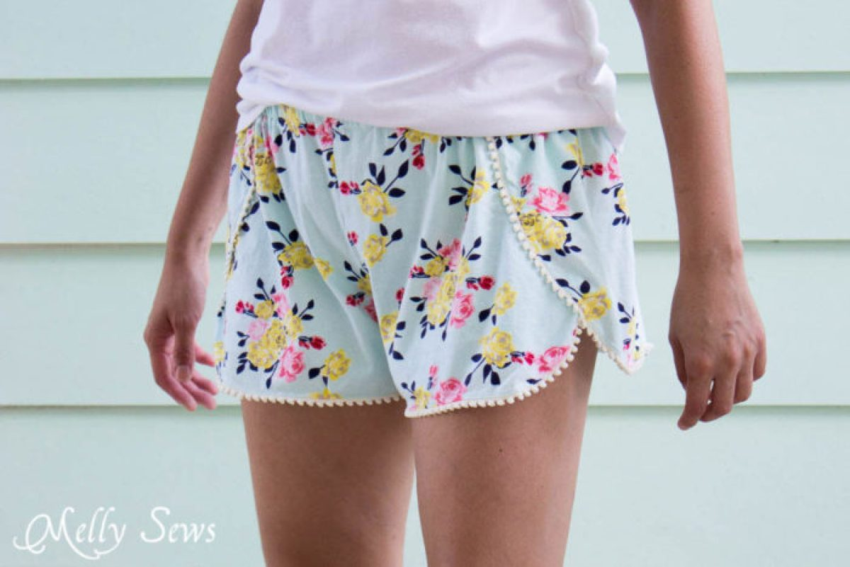 10 Free Woman's Casual Shorts Sewing Patterns: Round-up! - DIY Pom Pom Trim Shorts - from Melly Sews