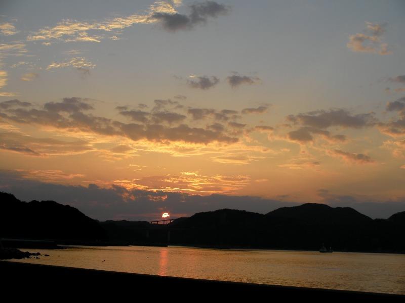 四国の夕日