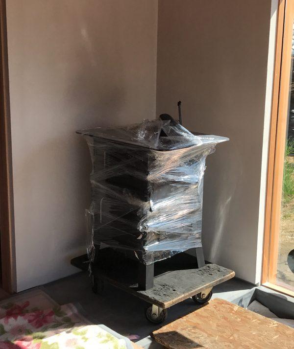 手作り薪ストーブ搬入