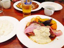 鶏モモ肉のステーキ香草風味