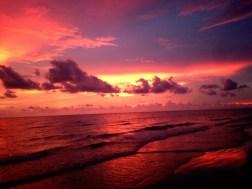iPhoneで撮影したサイカオビーチの夕焼け
