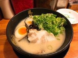 博多風龍の半熟玉子&ネギとんこつラーメン730円