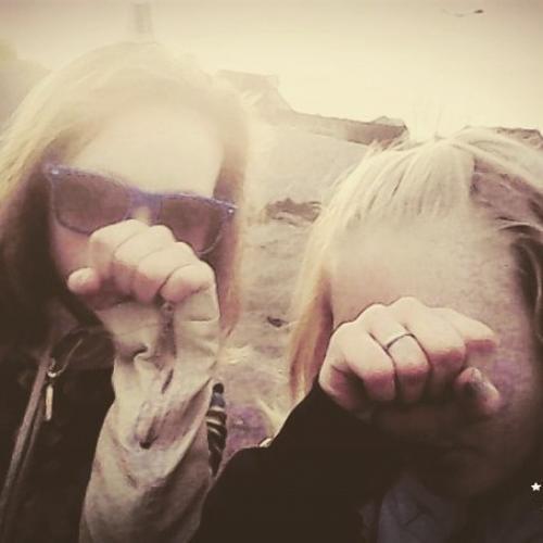 100 lý do tại sao chúng ta là bạn của một người bạn. 100 lý do tại sao tôi là bạn với cô ấy.