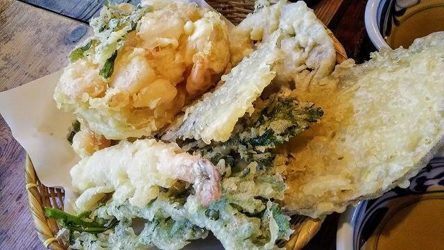 たらいうどん椛や天ぷら盛り合わせ